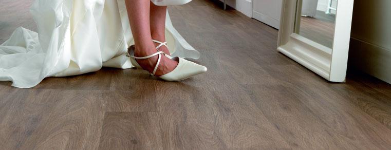 bruijnes woonstoffering mooier wonen nunspeet tapijt vinyl laminaat vloeren gordijnen pvc vloeren houten vloeren
